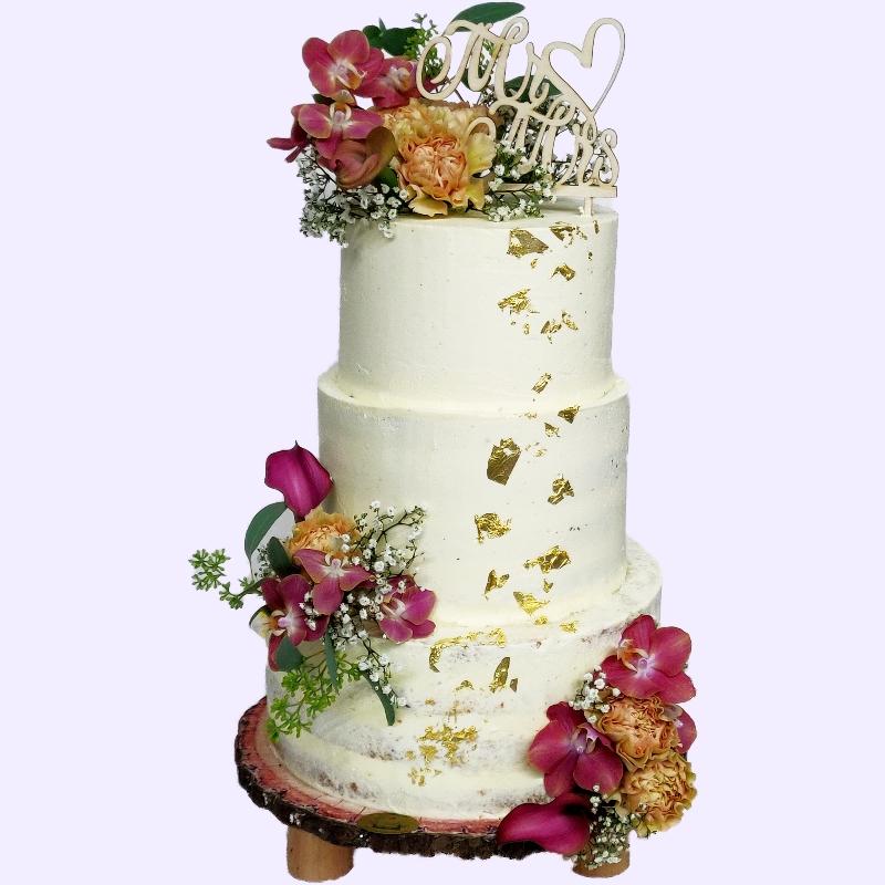Hochzeitstorte mit Blumen & Blattgold